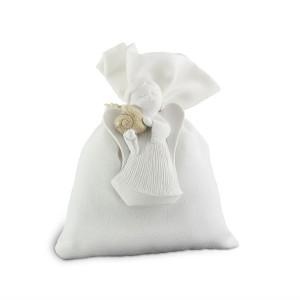 Angelo con cuore magnete e sacchetto